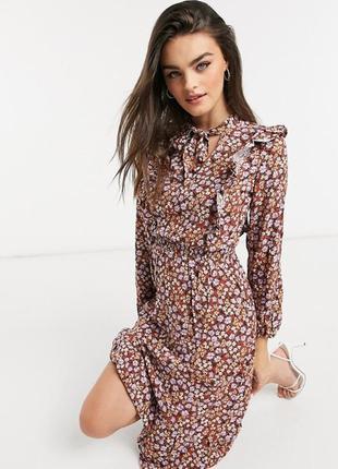 Платье в цветочном принте stradivarius