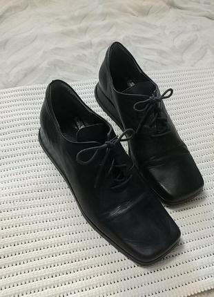 Стильные кожаные  туфли на шнурках anky германия