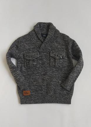Плотный котоновый свитерок фирмы джорж на 5-6 лет