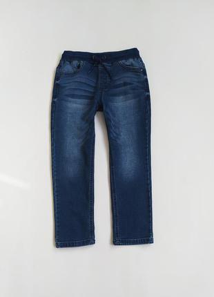Хорошенькие джинсики фирмы некст на 5-6 лет(по бирке на 7 лет)