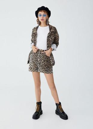 Джинсовая юбка в леопардовый принт pull & bear  леопардовая