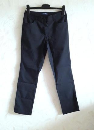Стильные стрейчевые штанишки пл типу спортивных от charles vogele