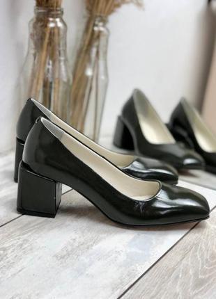 Туфли из натуральной лаковой кожи наплак на низком каблуке 6см
