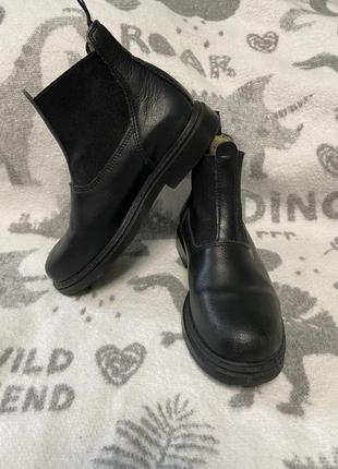 Ботинки осенние fouganza 31 размер
