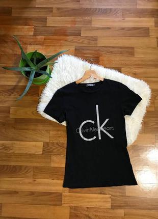 Оригінальна футболка від calvin klein