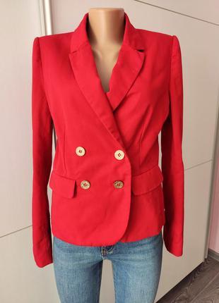 Пиджак жакет красный с карманами синим воротником osley 40  от люксового бренда