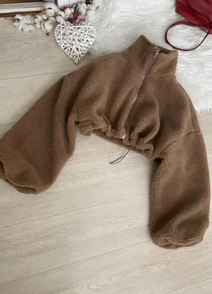 Укорочённая меховая куртка