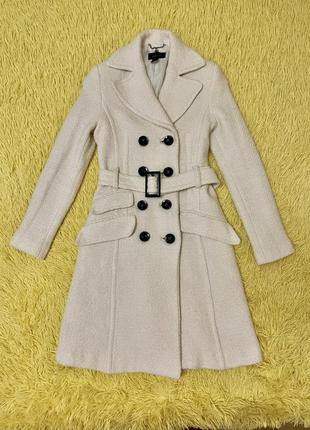 Элегантное осеннее белое пальто от mango