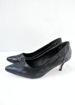 Стильные классические фирменные туфли carina. размер uk 5/ eur 38.