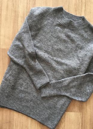 Серы свитер от hm