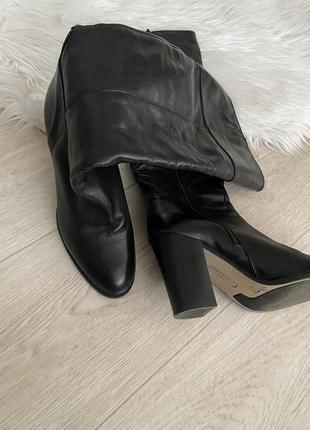 Кожаные сапоги на удобном каблуке