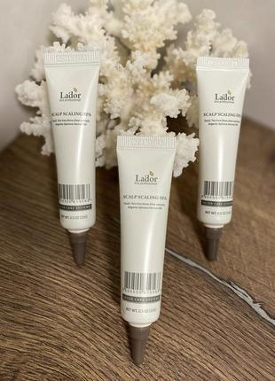 Салонный пилинг для кожи головы lador scalp scaling spa ampoule