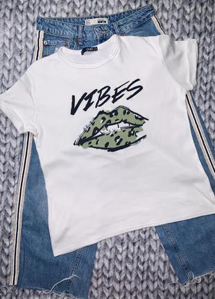 Стильная мягкая футболка