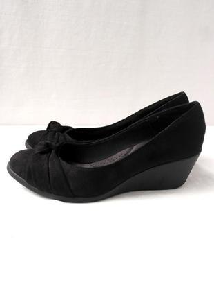 Стильные черные брендовые туфли dexflex. размер uk 7.5/ eur 41.5 .