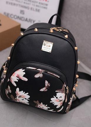 Жіночий рюкзак з квітами 🌺