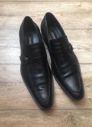 Кожаные добротные черные туфли tigana ,45 р,супер цена!
