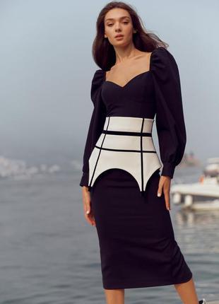 Базовая облегающая юбка с поясом-баской