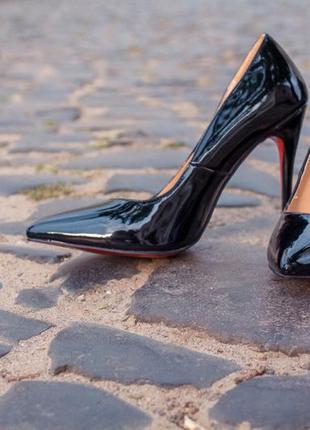Туфлі-лодочки