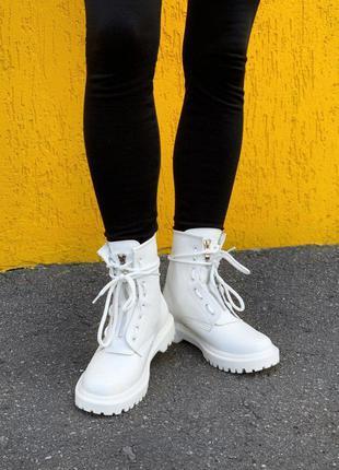 Черевики жіночі білі