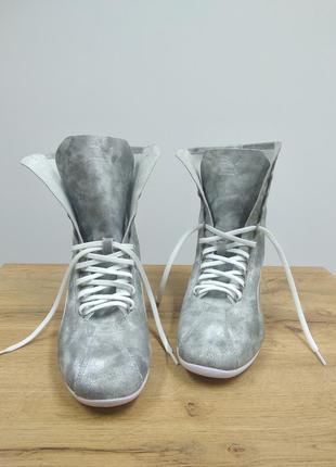 Puma оригінальні шкіряний високі красовки кеди снікери срібного кольору металік на шнуровках 38/5/24см