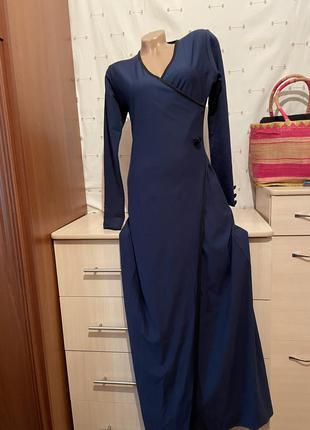 Стильное длинное  платье с рукавом тёплое на запах