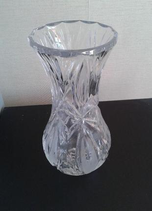 Хрустальная ваза высота 21см..