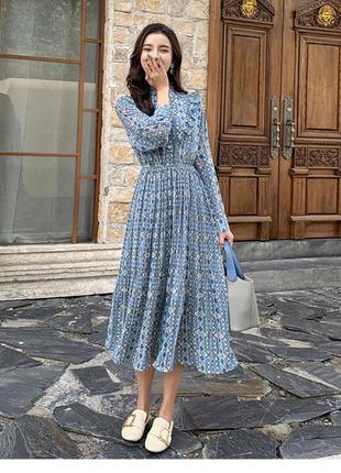 Платье с юбкой плиссе