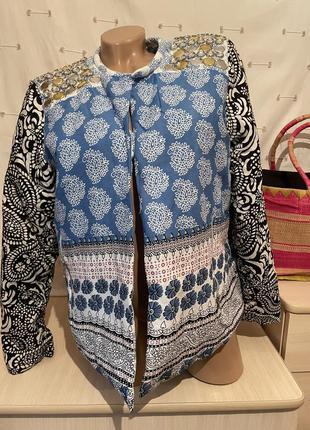 Стильный пиджак жакет с принтом