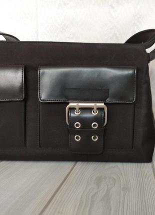 Черная сумка из нейлона с длинной ручкой