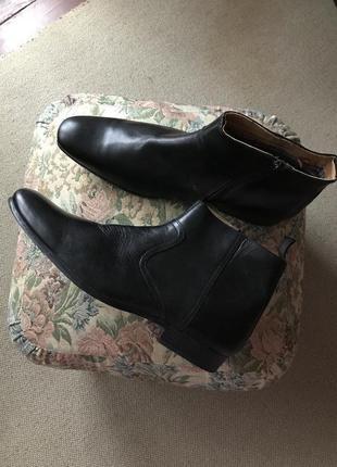 Новые кожаные сапоги ботинки мужские