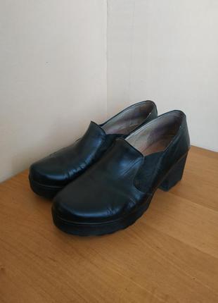 Туфли лоферы на толстом каблуке *натуральная кожа*