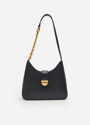 Красивая небольшая сумка с цепочкой