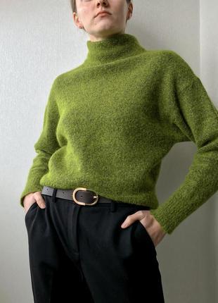 Теплый шерстяной зелёный свитер с горлом и объёмными рукавами autograph