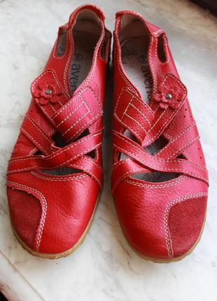 Красные кожаные туфли-балетки из натуральной кожи (размер 38.5-39)