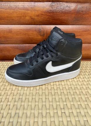 Nike кроссовки оригинал 37.5 размер air force