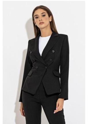 Крутой двубортный пиджак