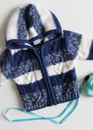 В'язаний светрик для новонародженого красунчика фірми mini club.
