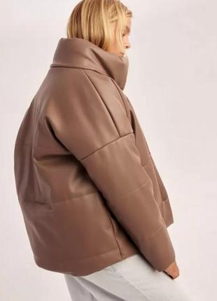 Стильна куртка з екошкіри
