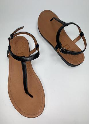 Женские кожаные фирменные босоножки fitflop. размер 39. стелька 25.5