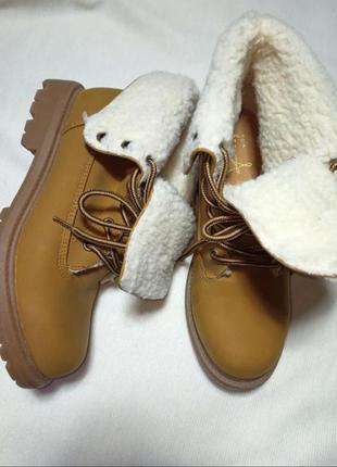 Ботинки рыжего цвета timberland ( primark). ботинки .  сапожки