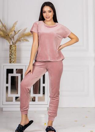 Велюровый комплект из шорт, футболки и джоггеров  размер:   46-48 50-52