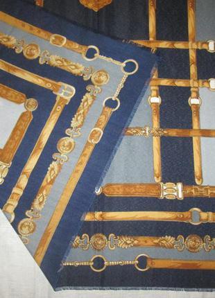 Большой платок палантин в стиле chanel