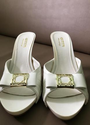 Взуття (босоніжки)
