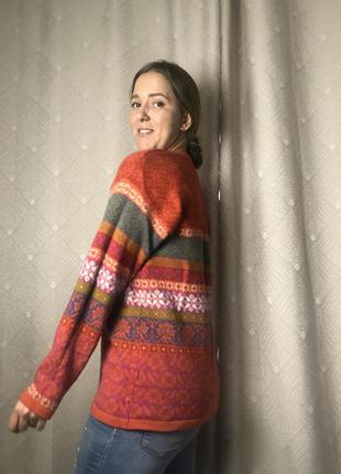Шерстяной яркий свитер винтаж 100 % шерсти