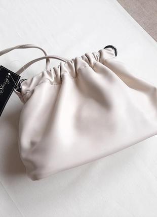 Трендова сумка бежевого кремового кольору luck sherrys
