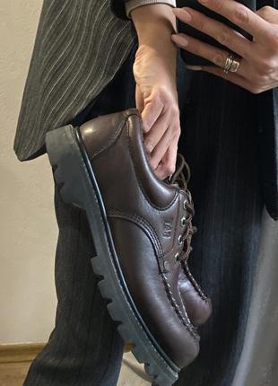 Ботинки на шнурках кожаные на грубой подошве массивные туфли caterpillar