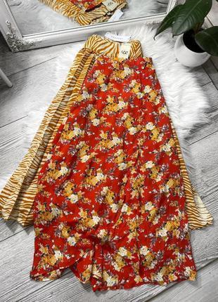 Актуальная миди юбка в цветы