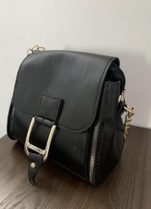Чёрная сумочка через плечо кроссбоди