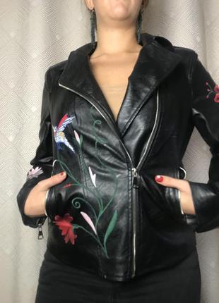 Кожанка косуха кожаная куртка с вышивкой иск кожа