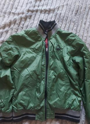 Демисезонная курточка бомбер